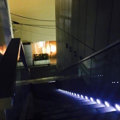 プリズマ(PRISMA)へ続く階段