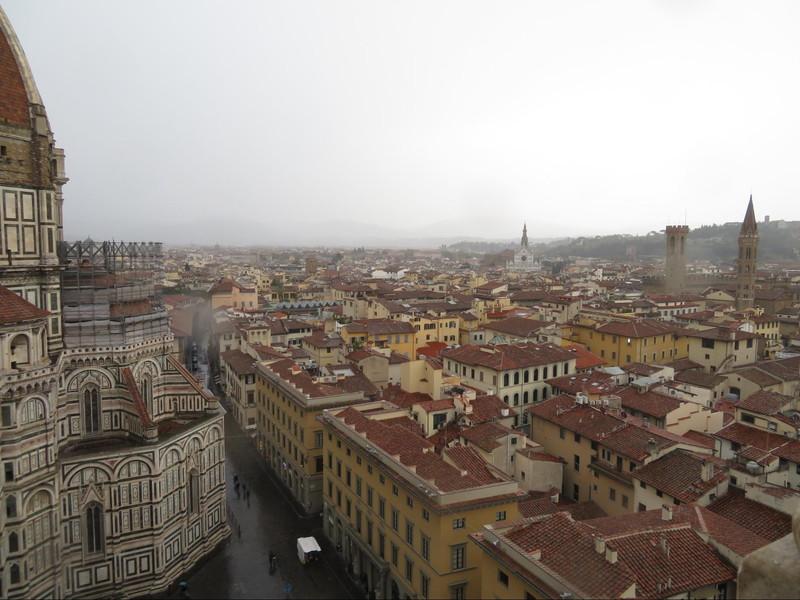 フィレンツェ ドォオモの隣にある鐘楼から見下ろしたフィレンツェの街並み