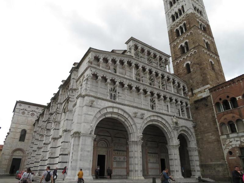 サン・マルティーノ大聖堂 (Duomo di San Martino)